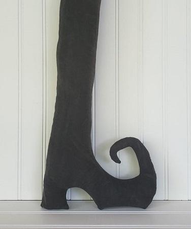 Plain Primitive Witch Boot