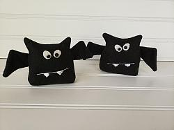 Bat Shelf Sitter