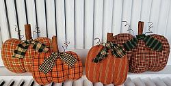 #f201 Fall Homespun Pumpkins