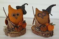 Fall Owl Shelf Sitter