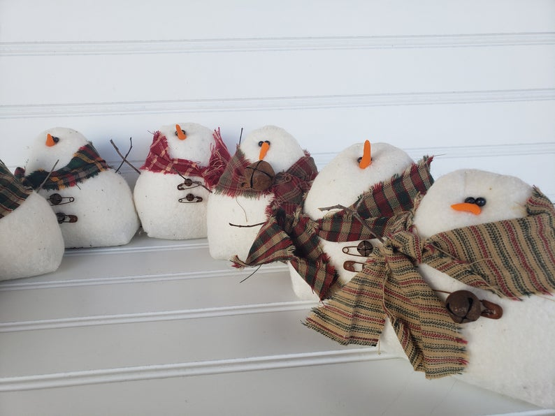 Winter Gathering of Snowman Set